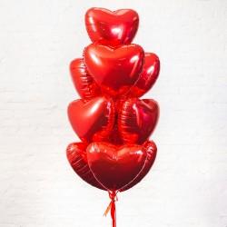 Фонтан из 10 фольгированных сердец