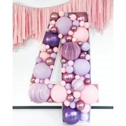 Цифра 4 в стиле аэромозайка из воздушных шаров 1,4 м.